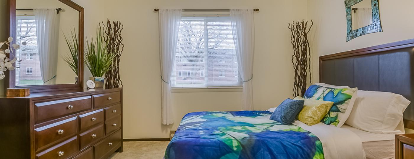 Varsity Square Apartments bedroom